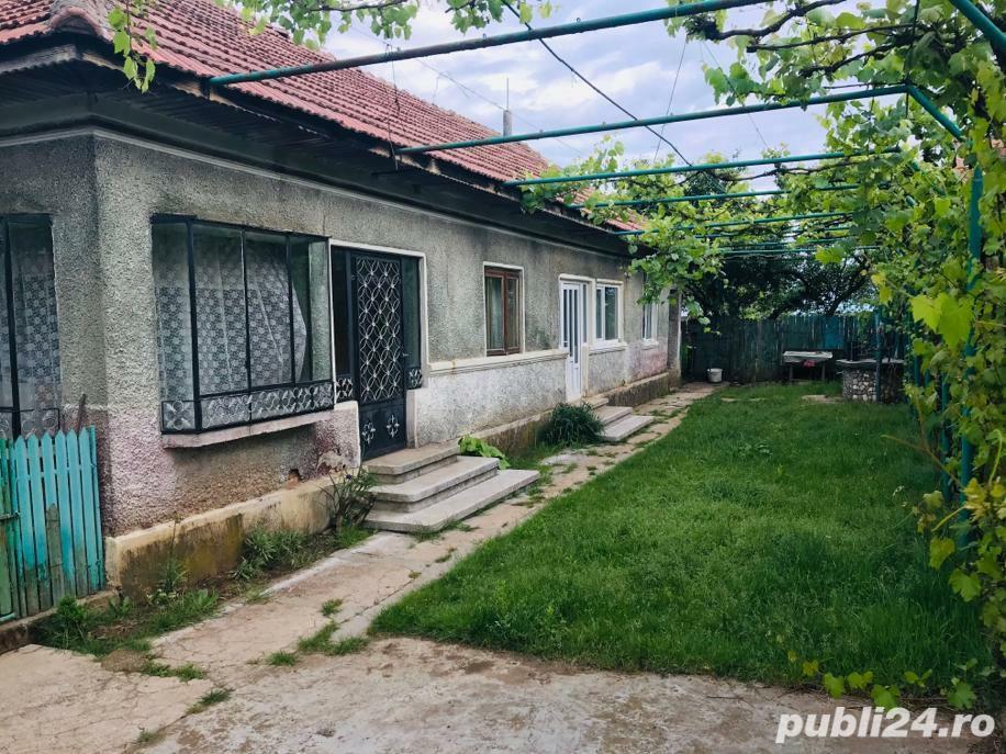 Vând casă cu 4 camere in  com. Măgureni - Prahova