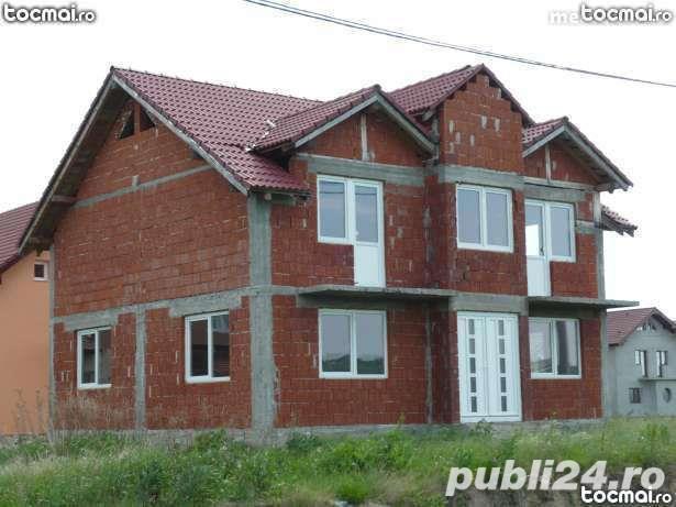 --Vand casa mare cu etaj in Oradea --