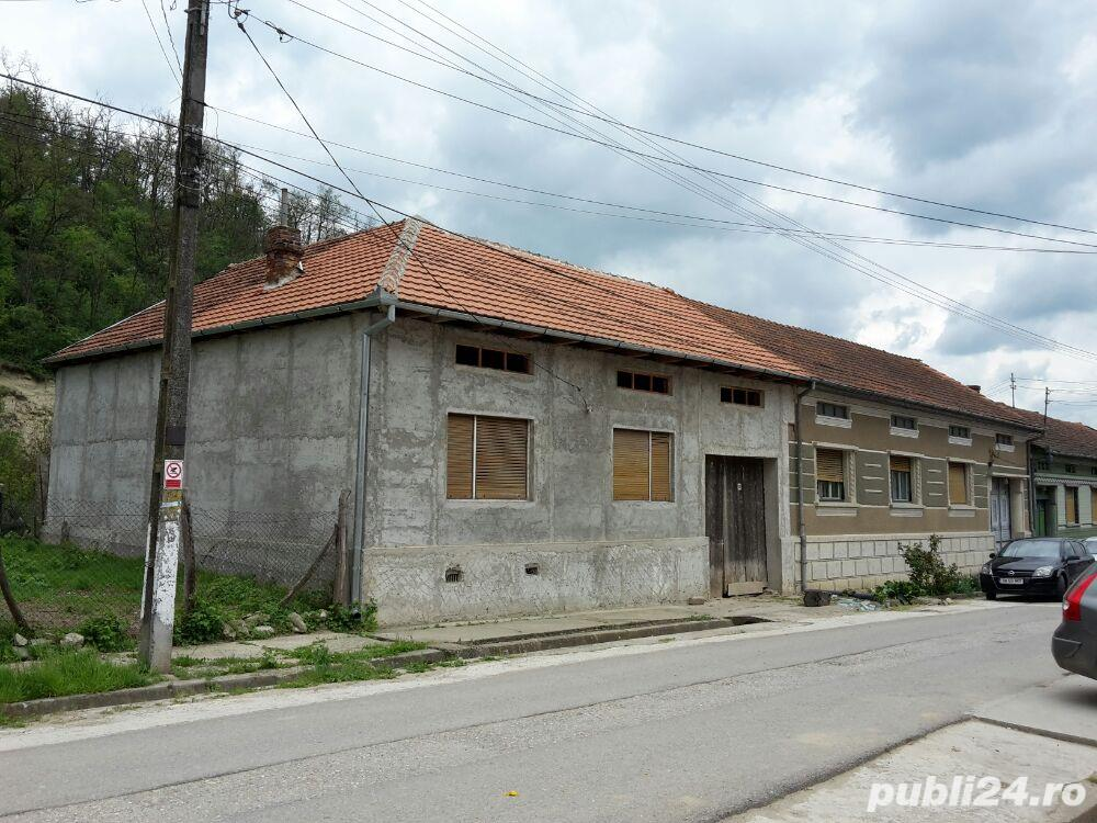 Vanzare  casa  9 camere Caras Severin, Macoviste (Cornea)  - 120 EURO