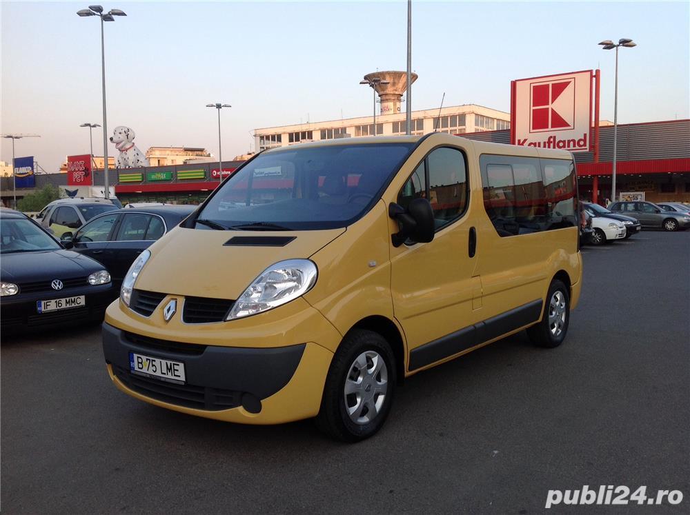 Renault Trafic 8+1 Locuri