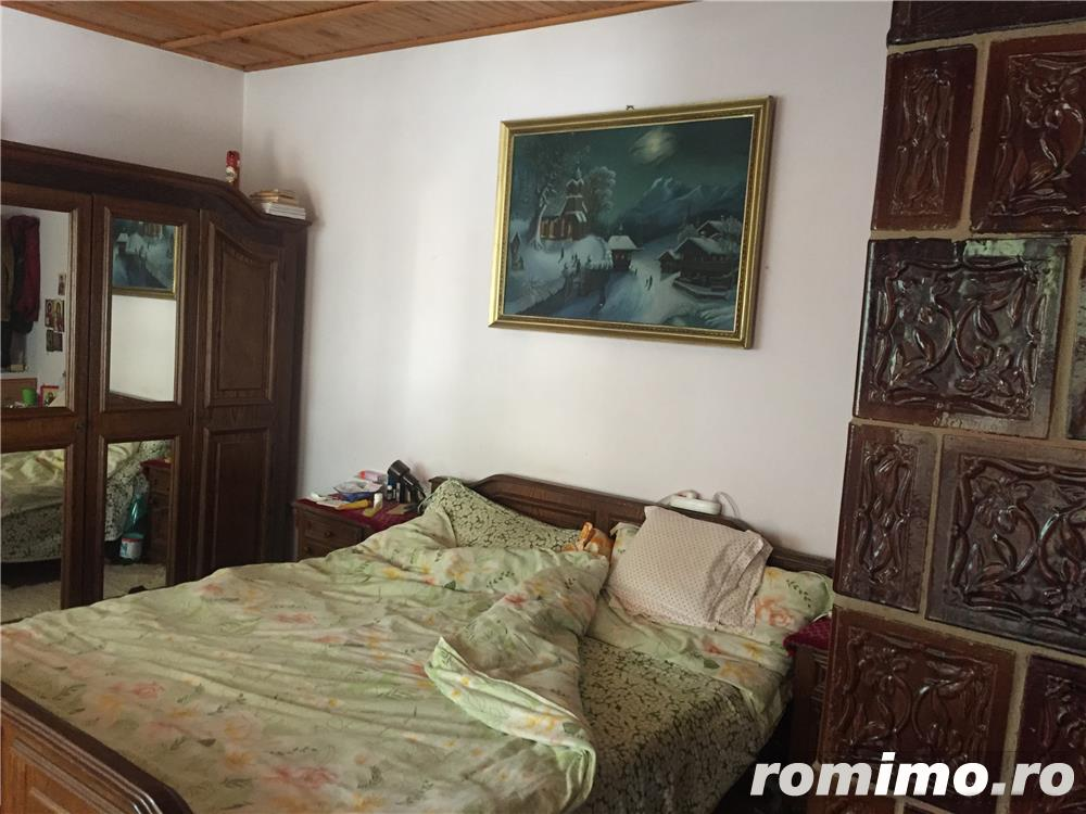 vand casa cu 6 camere si teren 1800 mp-Ronat 180000 euro