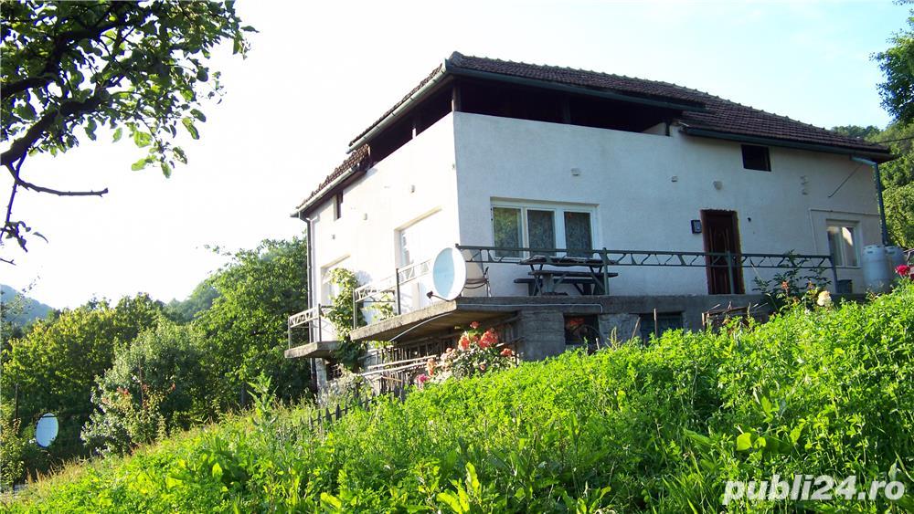 Vand proprietate 35 ari cu 2 case in Baia Mare