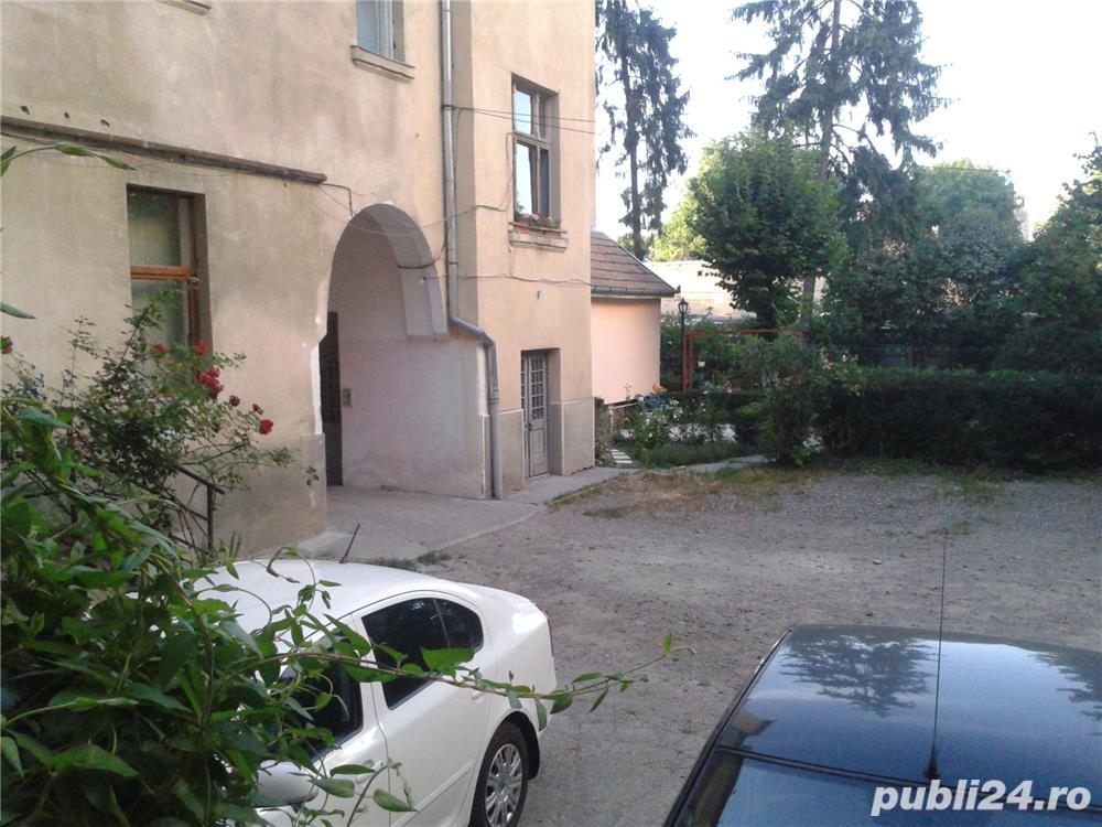 De vinzare un apartament din casa tip vila cu 2 etaje--ultracentral---
