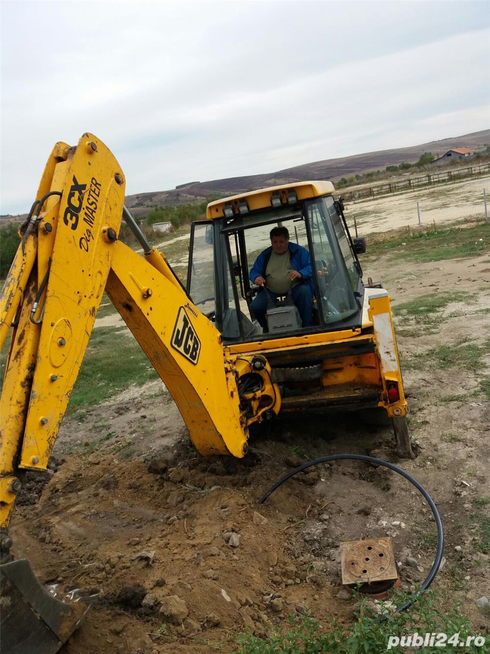 Deservent utilaj buldoexcavator