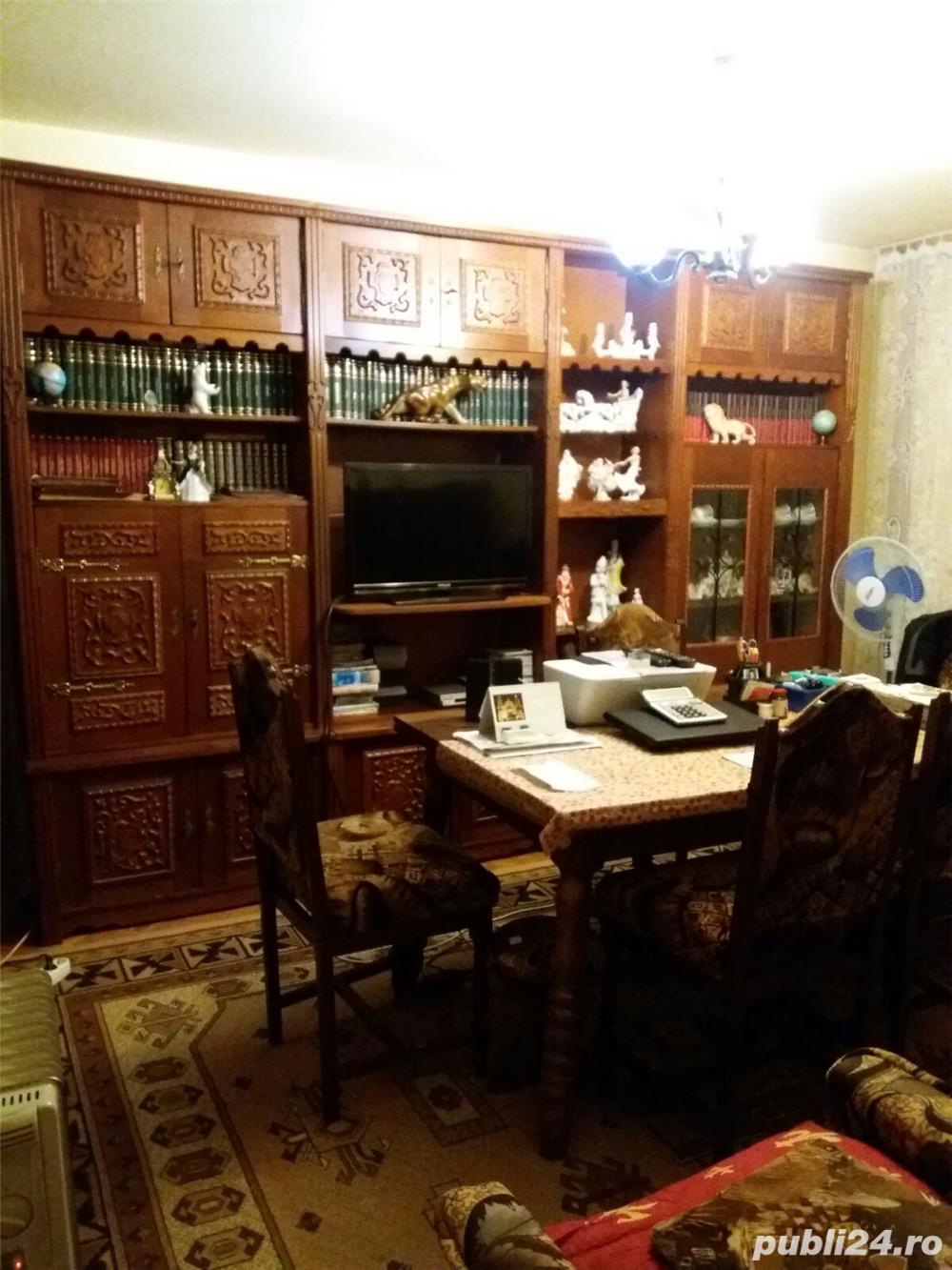 Vand apartament 3 camere in Brad, jud. HD sau schimb cu ap. in Timisoara
