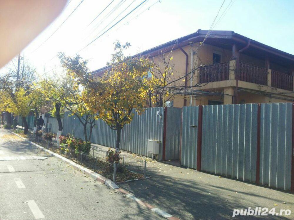 Casa de vanzare pentru 2 familii.