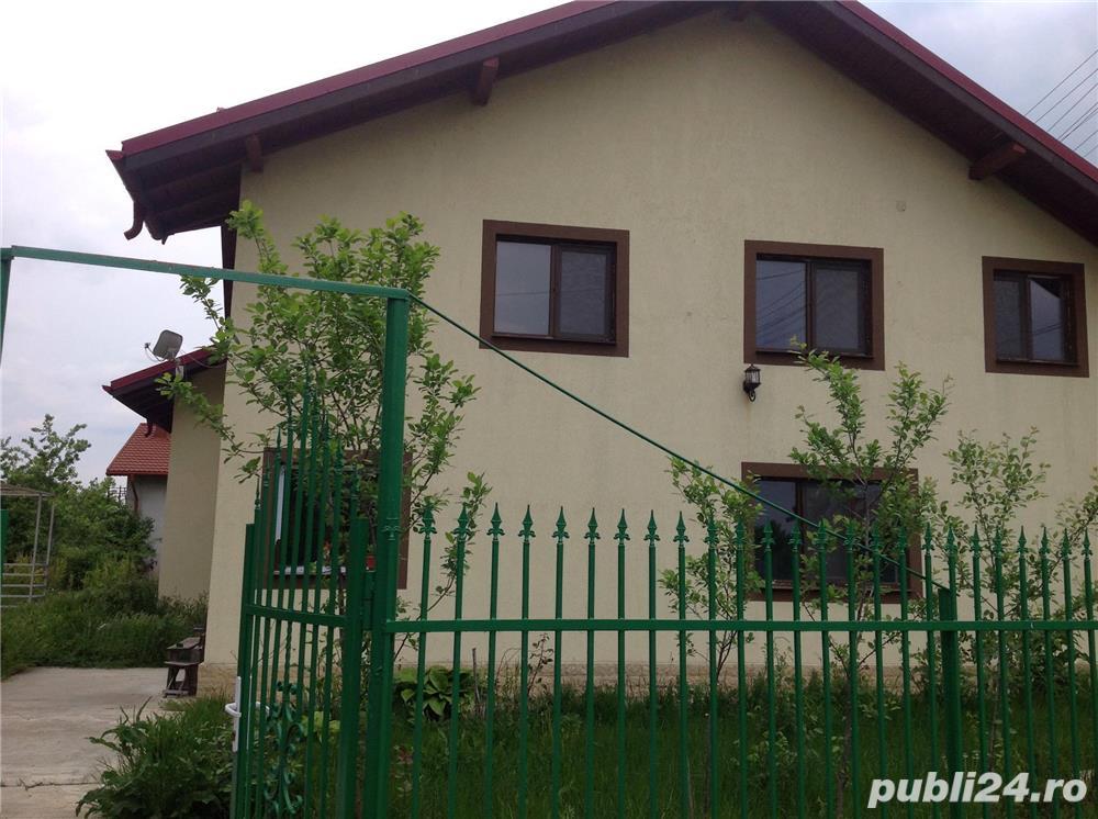 Vând CASĂ FRUMOASĂ ȘI SPAȚIOASĂ, 6 camere /1282 mp, în comuna Bilciurești! PREȚ NEGOCIABIL!