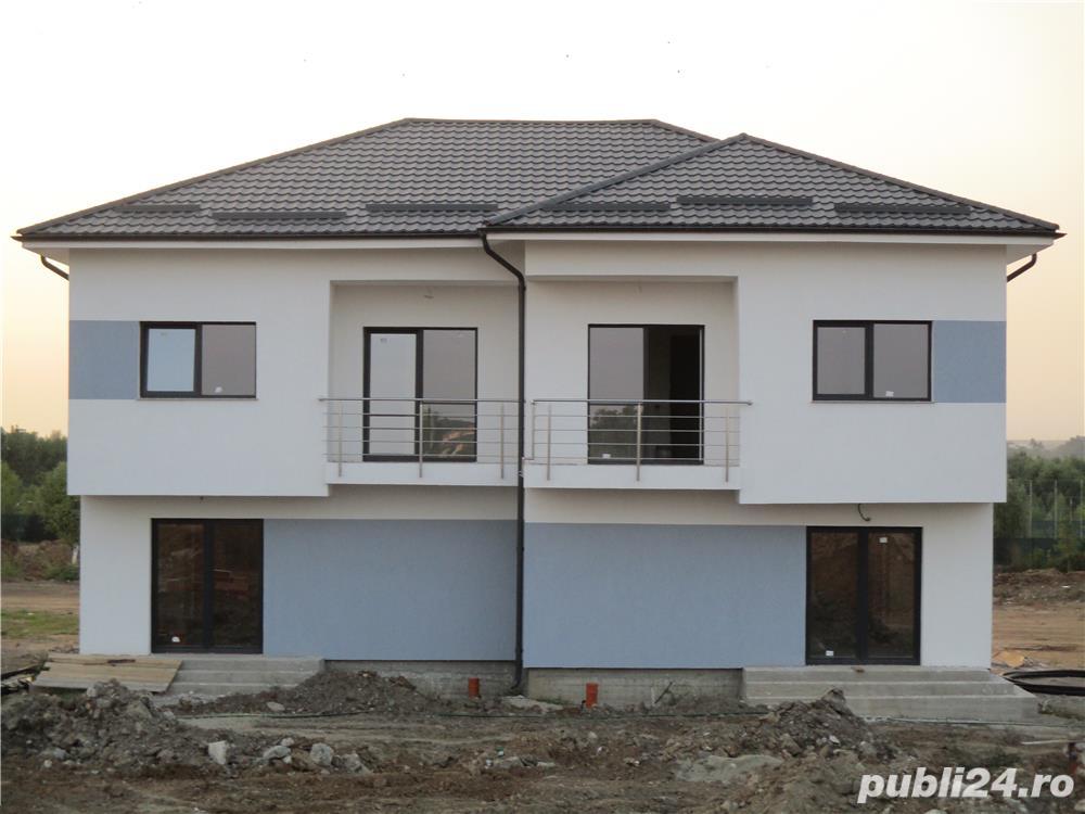 FARA COMISIOANE case cu 4 camere P+1+pod terasa 2 balcoane 2 placi 3 bai canalizare drum betonat