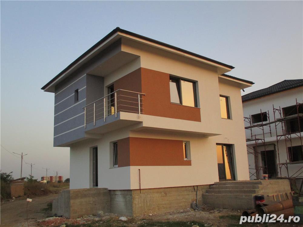 FARA COMISIOANE casa cu 4 camere P+1+pod 3 bai 2 placi 2 terase canalizare iluminat drum betonat