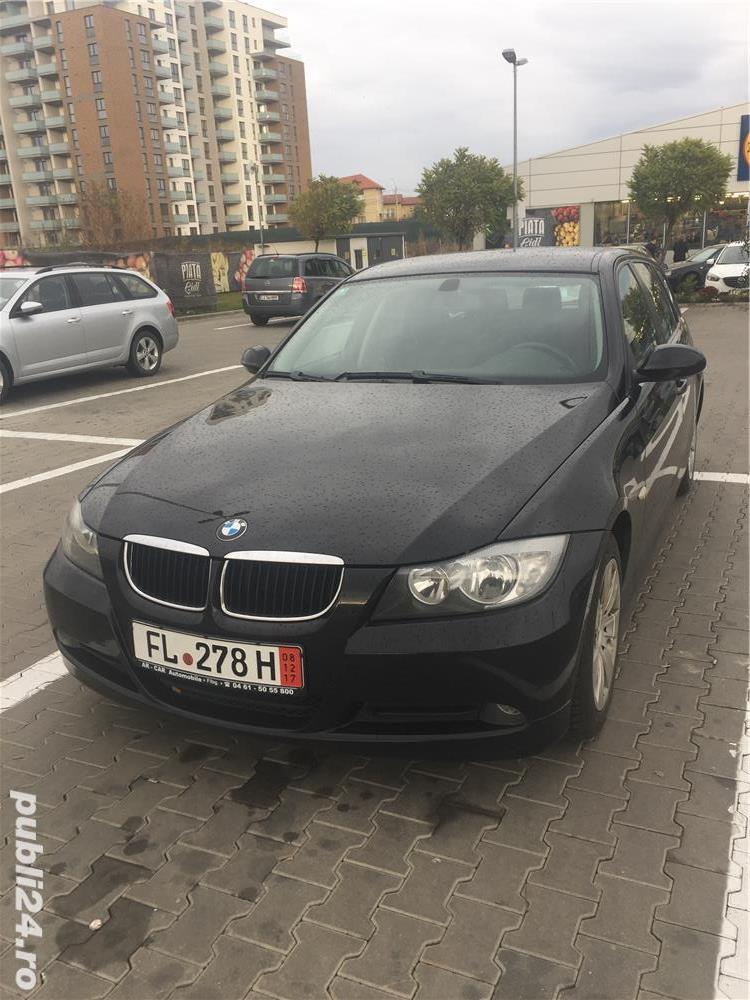 BMW Seria 3 318i E90