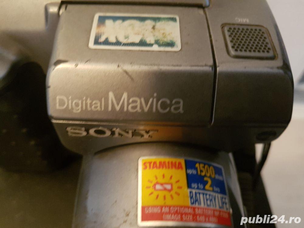 Camera vintage sony cu floppy disk