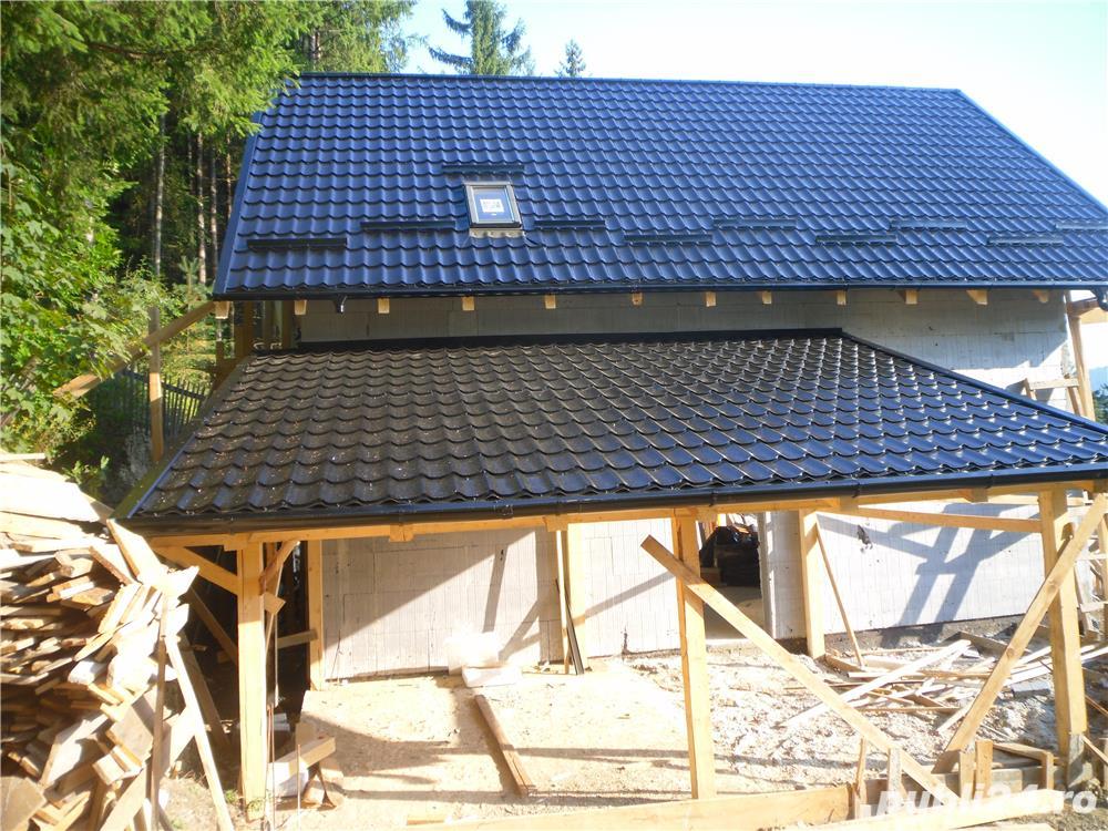 Executam acoperisuri de blocuri si case.