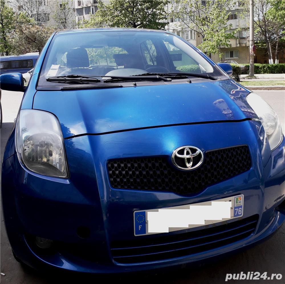 Toyota Yaris cu 4 anvelope de iarna noi