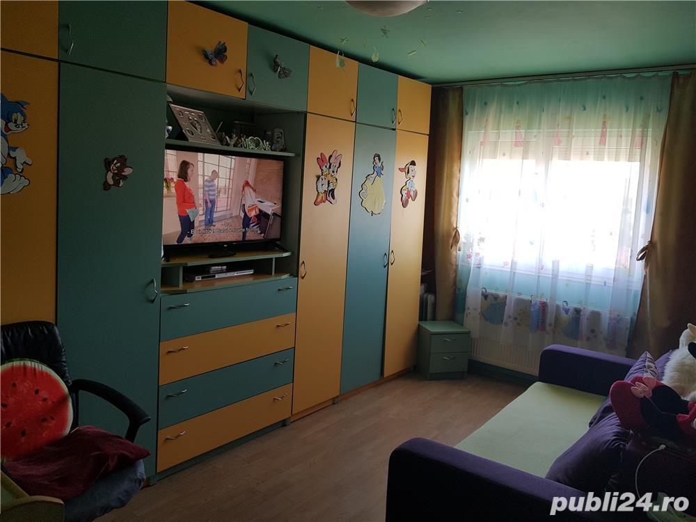 Vand apartament 2 camere Codlea