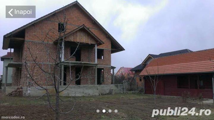 Casa rosu de vanzare strada Vasile Lucaciu