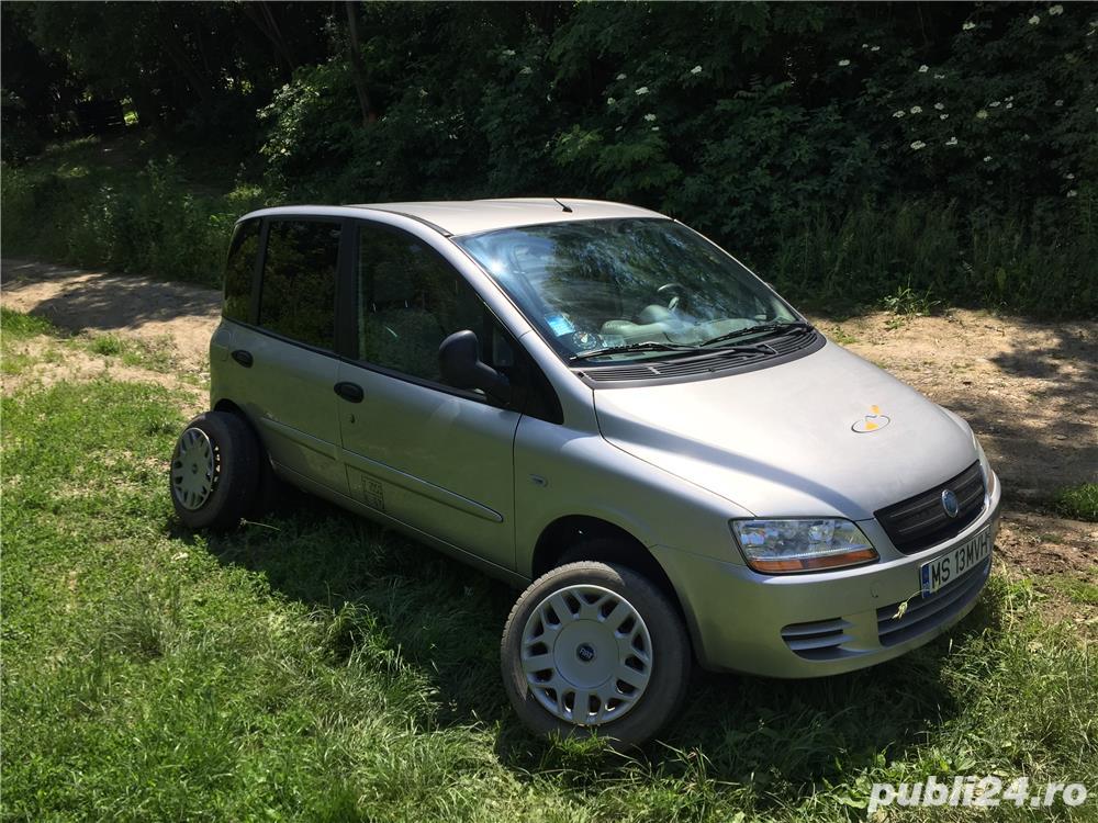 Vând Fiat Multipla