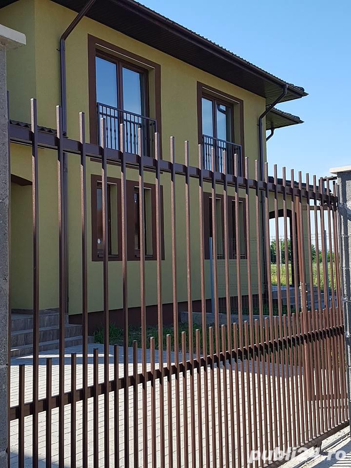 inchiriez 1/2 duplex - str.Ariei- zona Cora nemobilat /mobilat