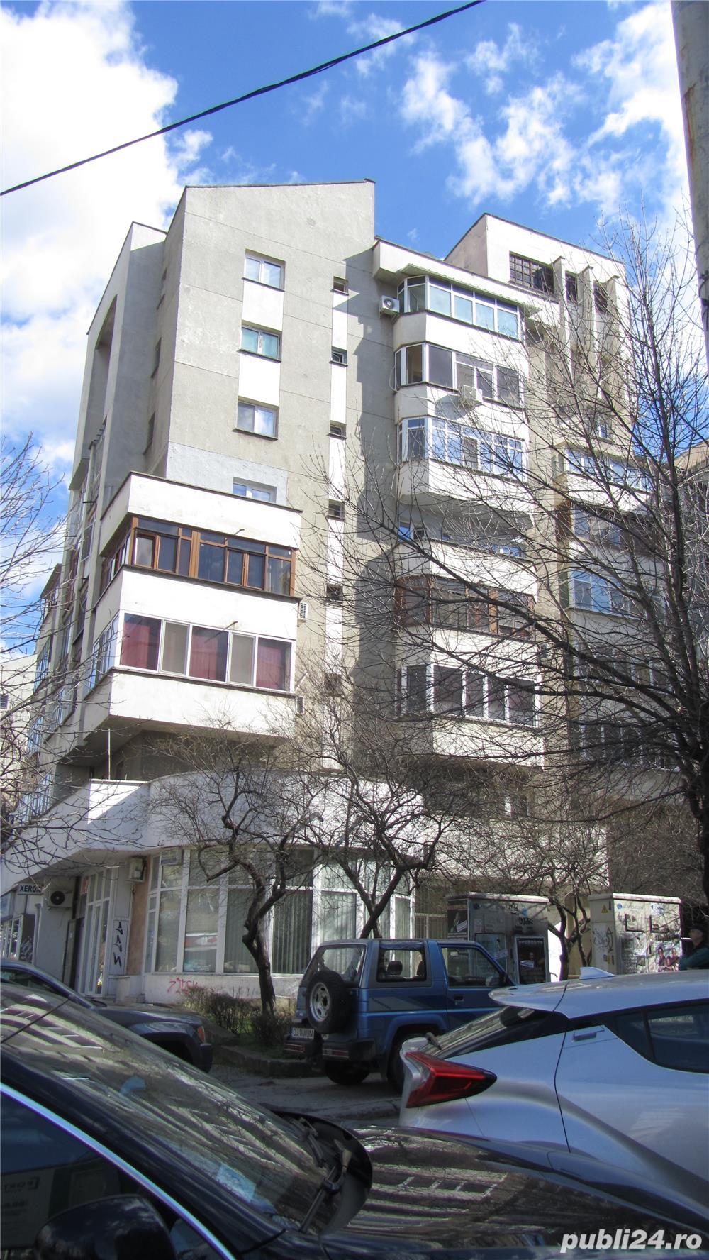 Inchiriez apartament 2C central de lux