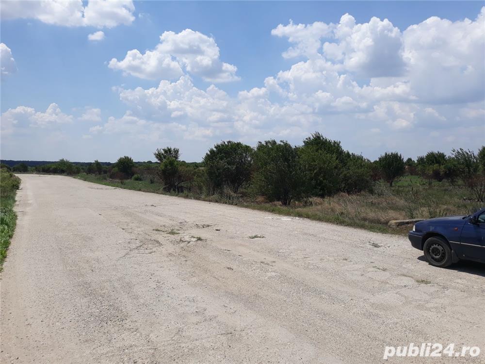 vand locatie pentru parc auto 23522m.partial betonati la38 km de Bucuresti Bucsani jud Giurgiu