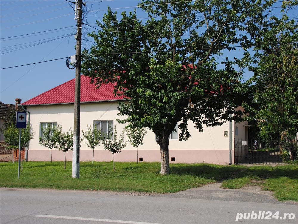 Casa in Teremia Mare - 4 camere, 2 bai, incalzire centrala, garaj