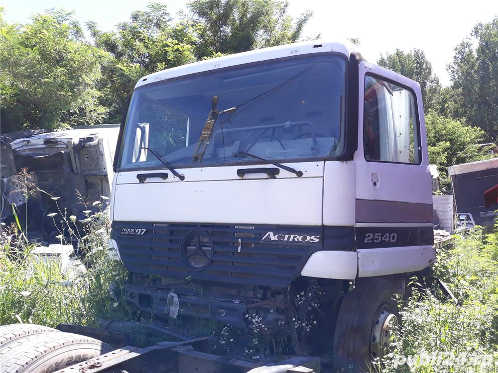 Dezmembrez Mercedes Actros 2540