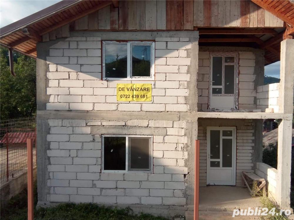 Vanzare  casa  5 camere Dambovita, Pietrosita  - 41 EURO