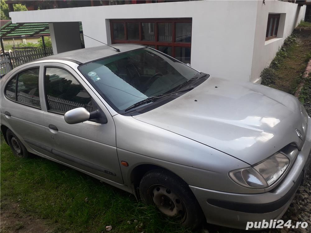 Dezmembrez Renault Megane 1 (1.6)  benzina 1997