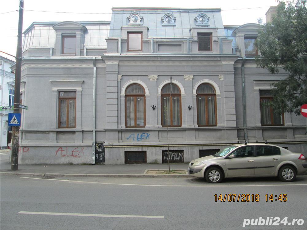 conac neo-brâncovenesc în centrul Bucureștiului (închiriat sau de vânzare)