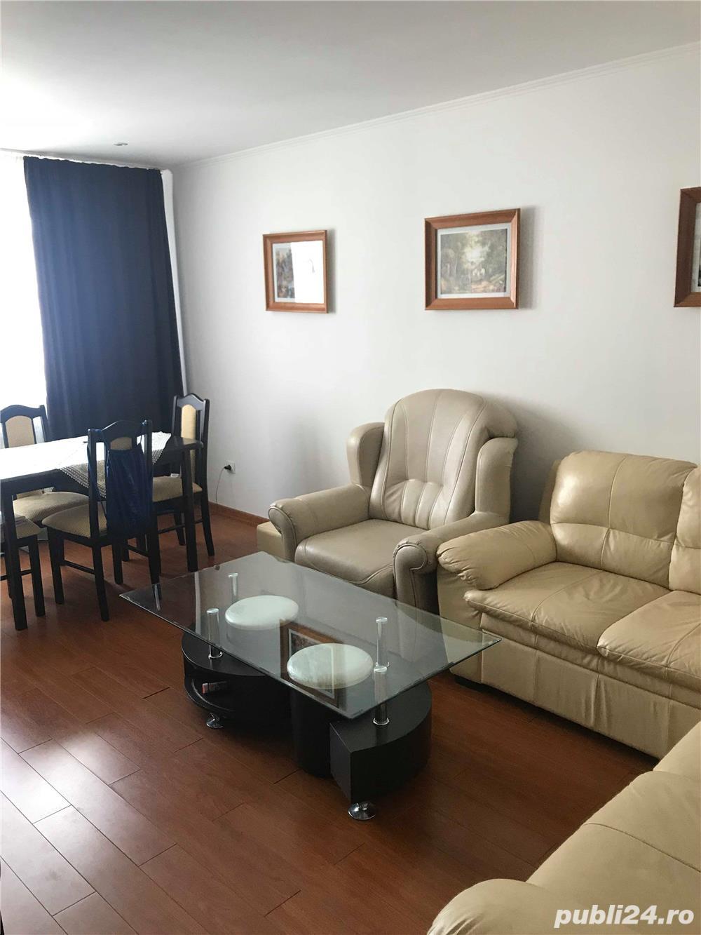 Apartament 3 cam decomadat, etaj 3, Zona Cartier - LUX