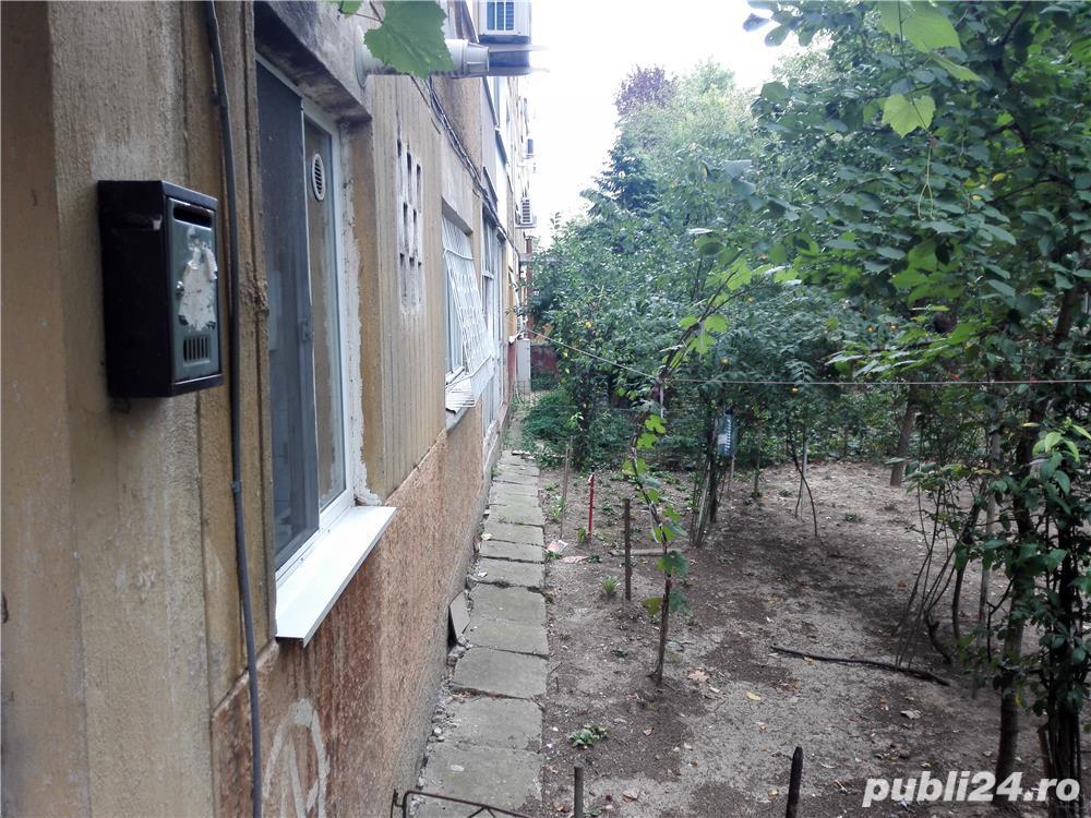 Proprietar,vand apartament 2 camere,parter,str Platanilor, ,ideal pentru cabinete,sedii firme,etc.