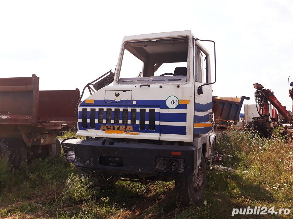 Dezmembrez Camion Astra
