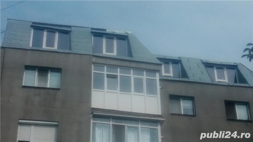 Vând apartament 3 camere cu mansardă