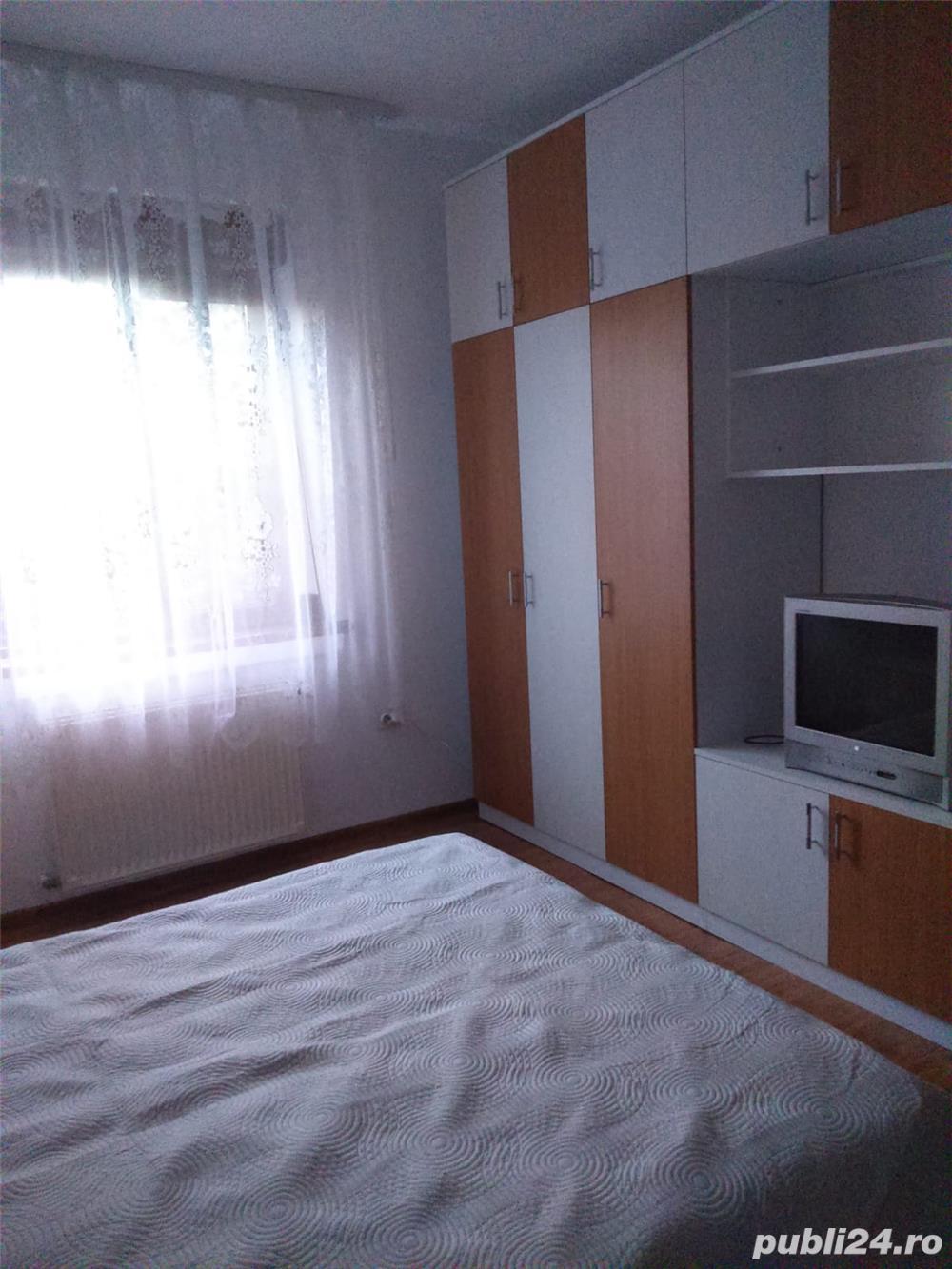 inchiriez apartament 2 camere, Pitesti, zona Traian