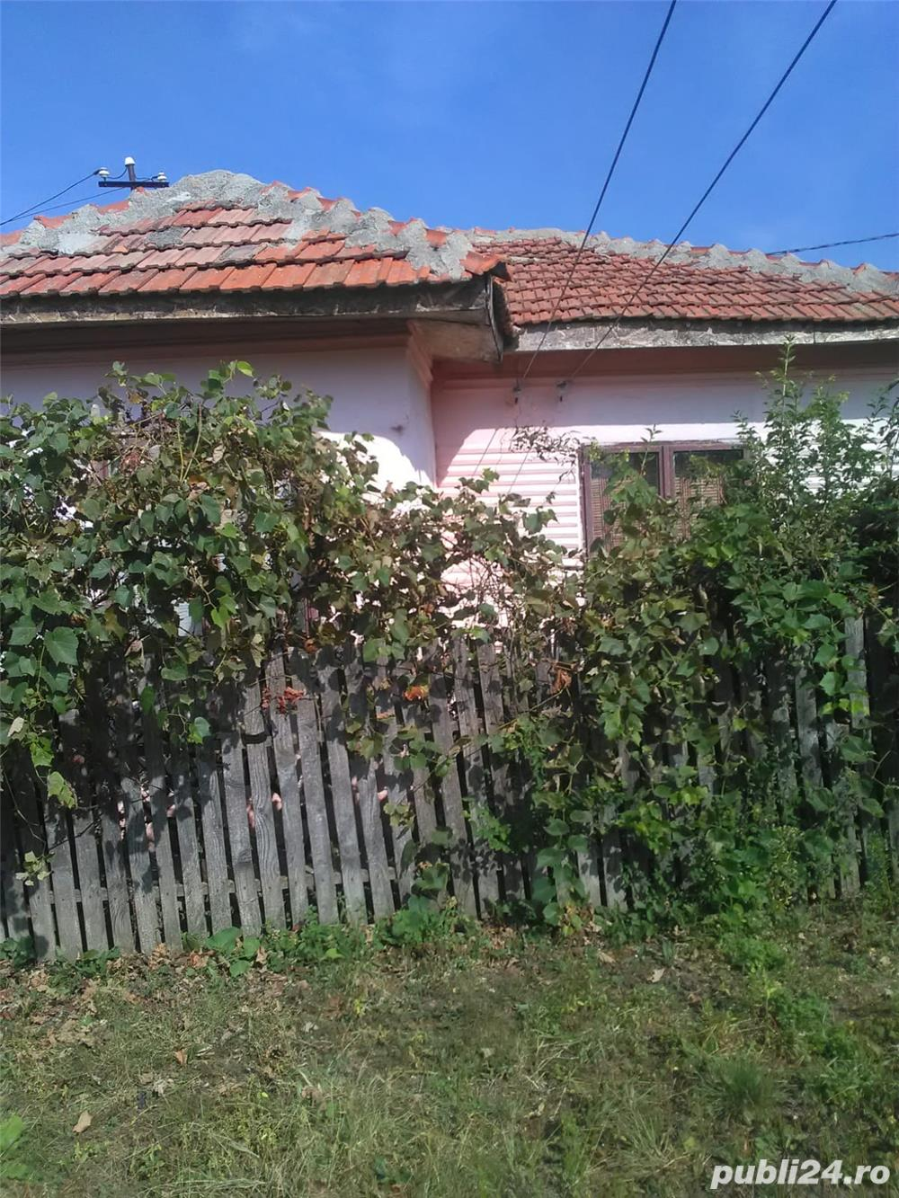 Vand casa cărămidă sat Milcoveni com Corbu