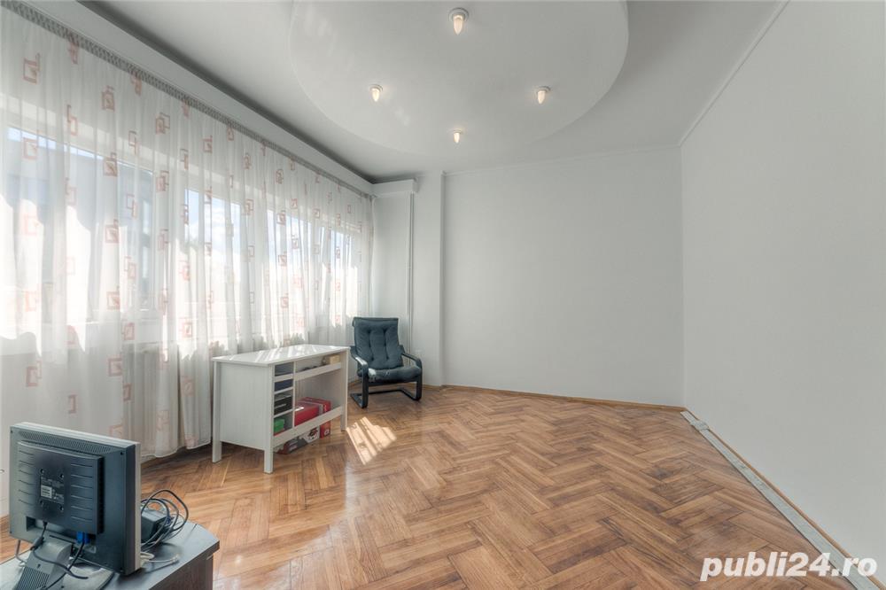 Vand apartament 4 camere zona Traian