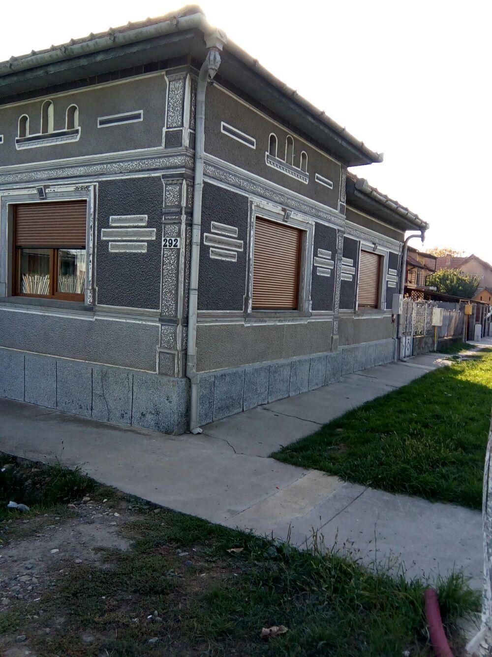 Vanzare  casa  5 camere Timis, Utvin  - 125 EURO
