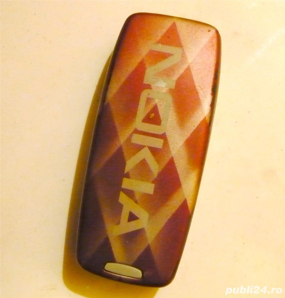 Carcasa telefon retro Nokia in stare buna.