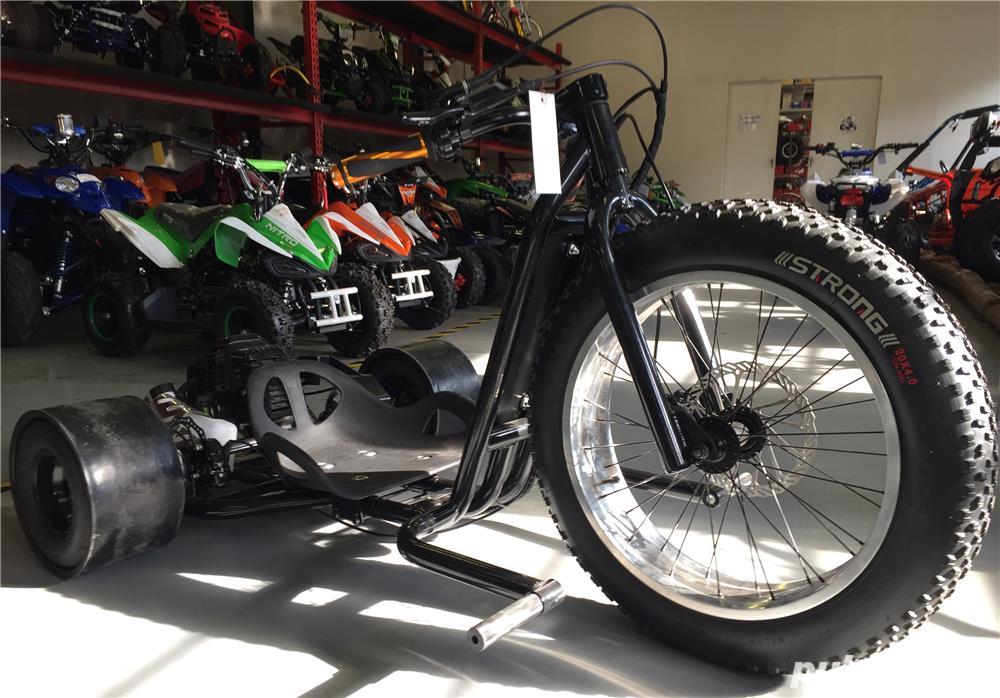 Altele Motocicleta NITRO DRIFT-TRIKE  49cc Roti 20 cu 10
