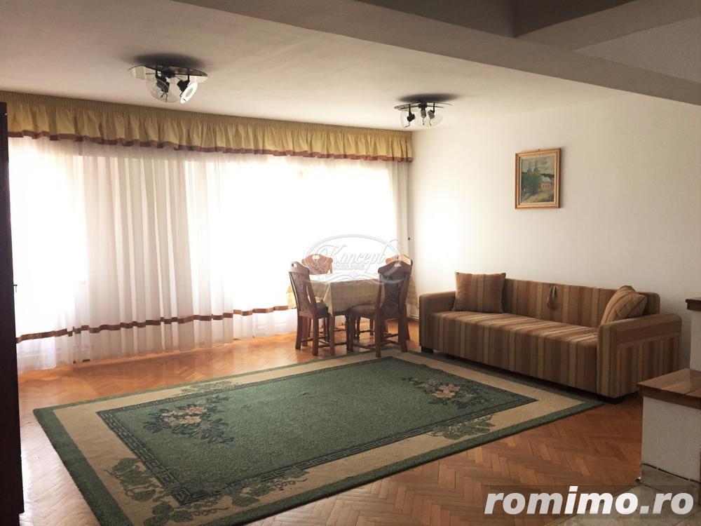 Apartament pe 2 nivele pe strada Titulescu