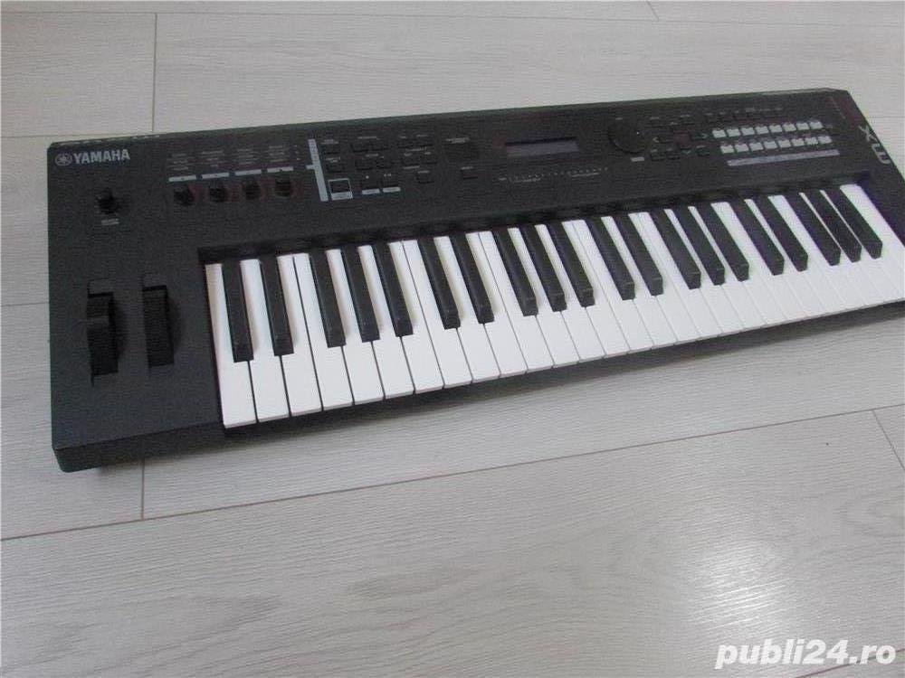 Yamaha MX49 Synthesizer