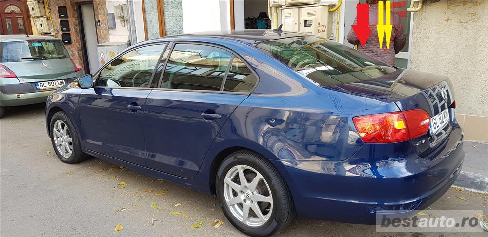 VW JETTA/ 2013.DISEL-Cutie AUTOMATA DSG II-Dotari TOP/ Impecabila.Limousine culoare Blue