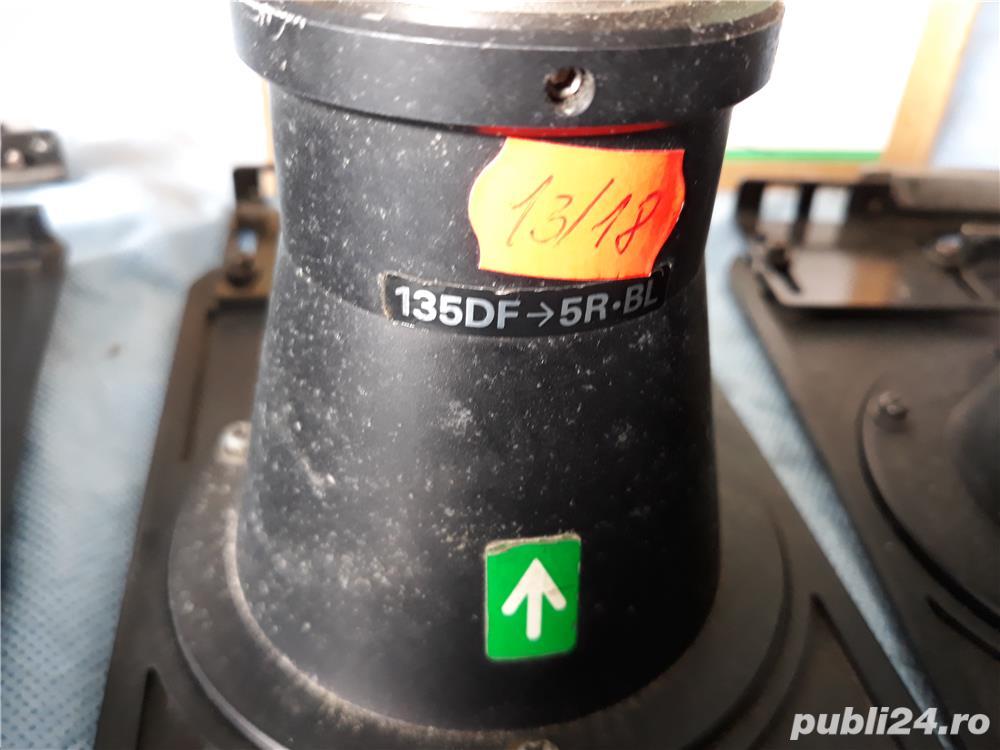 lentile laborator foto  piese