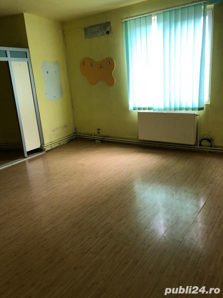 Oferim spre Inchiriere spatiu pretabil pentru birou, hub, afterschool sau cosmetica