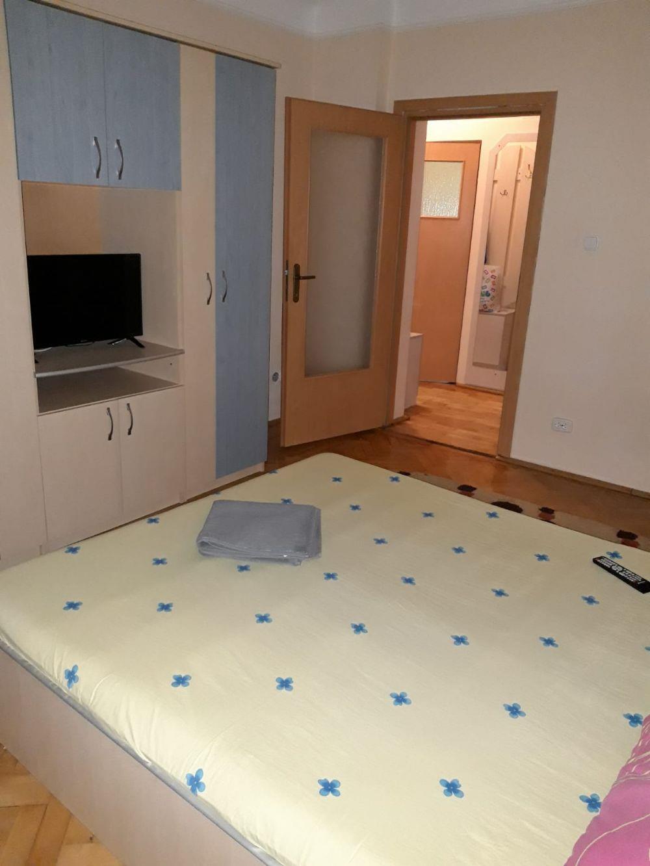 Apartament 2 camere et 1central decomandat REGIM HOTELIER