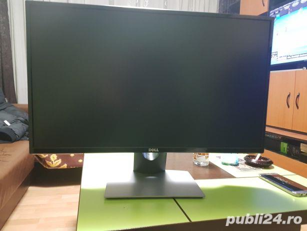 Monitor DELL 27 IPS Full HD.