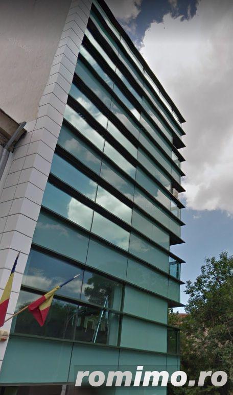 Cladire de birouri  parcul Cismigiu