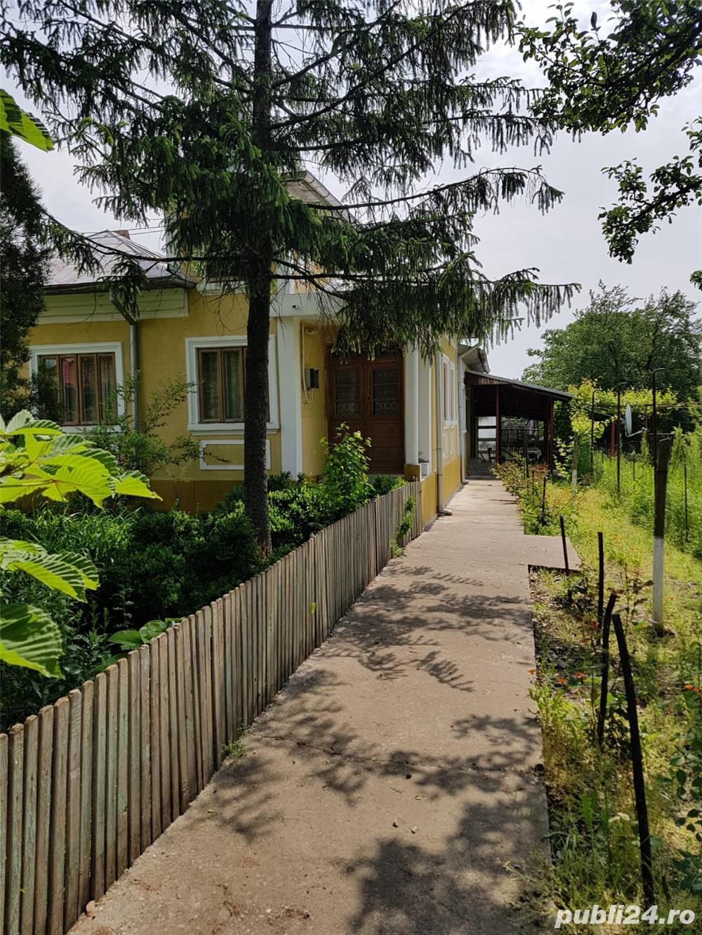 Ocazie UNICA: casa mobilată si 5300  mp curte la numai 18000 Euro