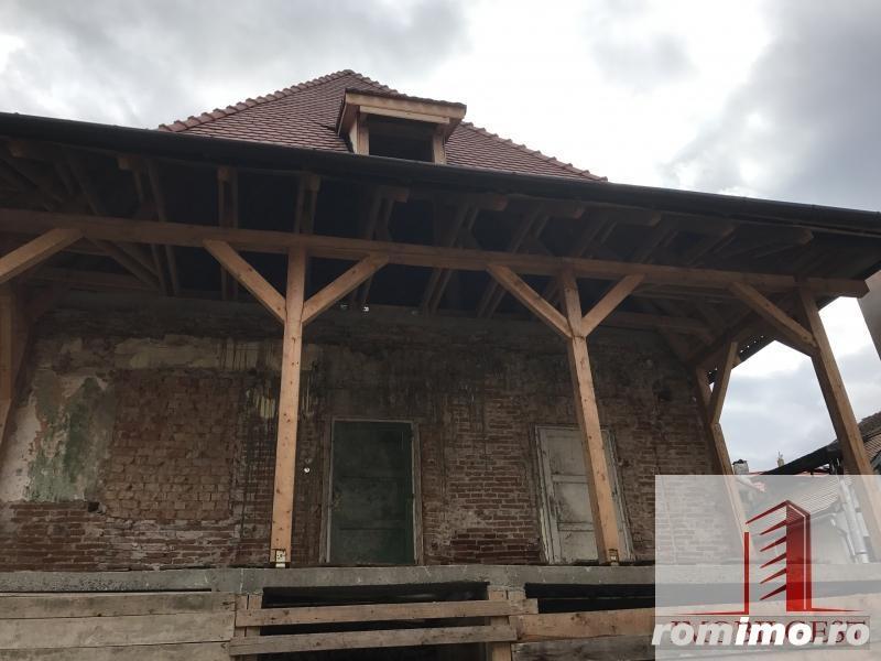 Casa, partial renovata, 700mp, zona 9 Mai