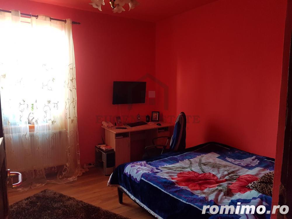 Apartament 3 camere, curte, garaj + pod, zona Sagului