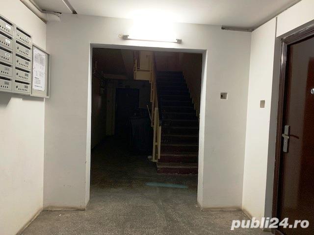Aviatiei-Crystal Palace,2 camere decomandat